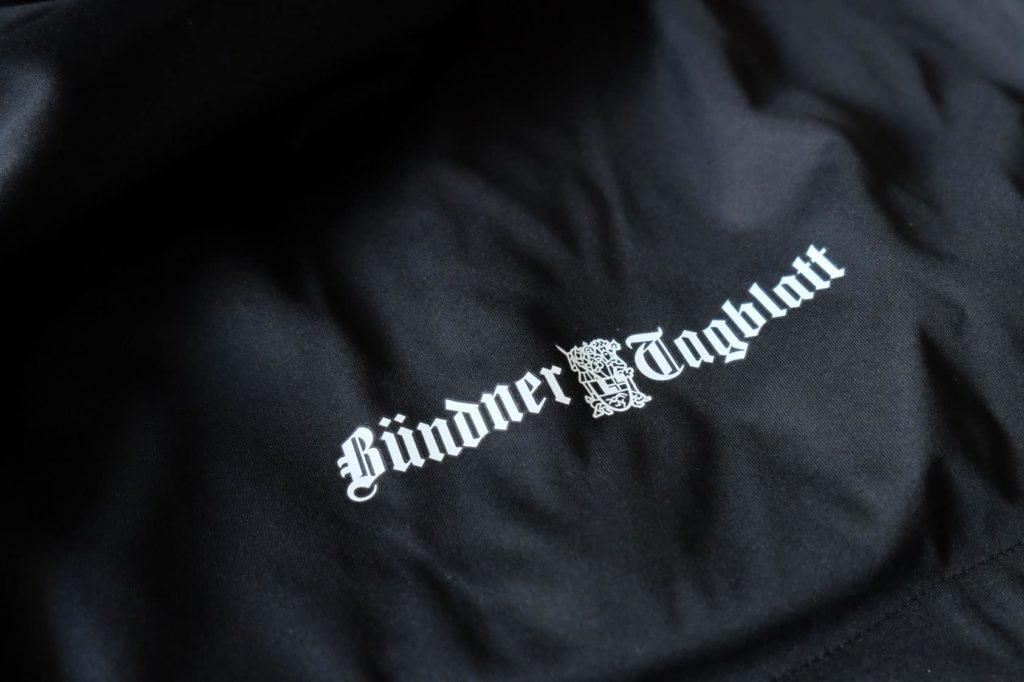 Textildruck Bündner Tagballt auf SoftShell Jacken.