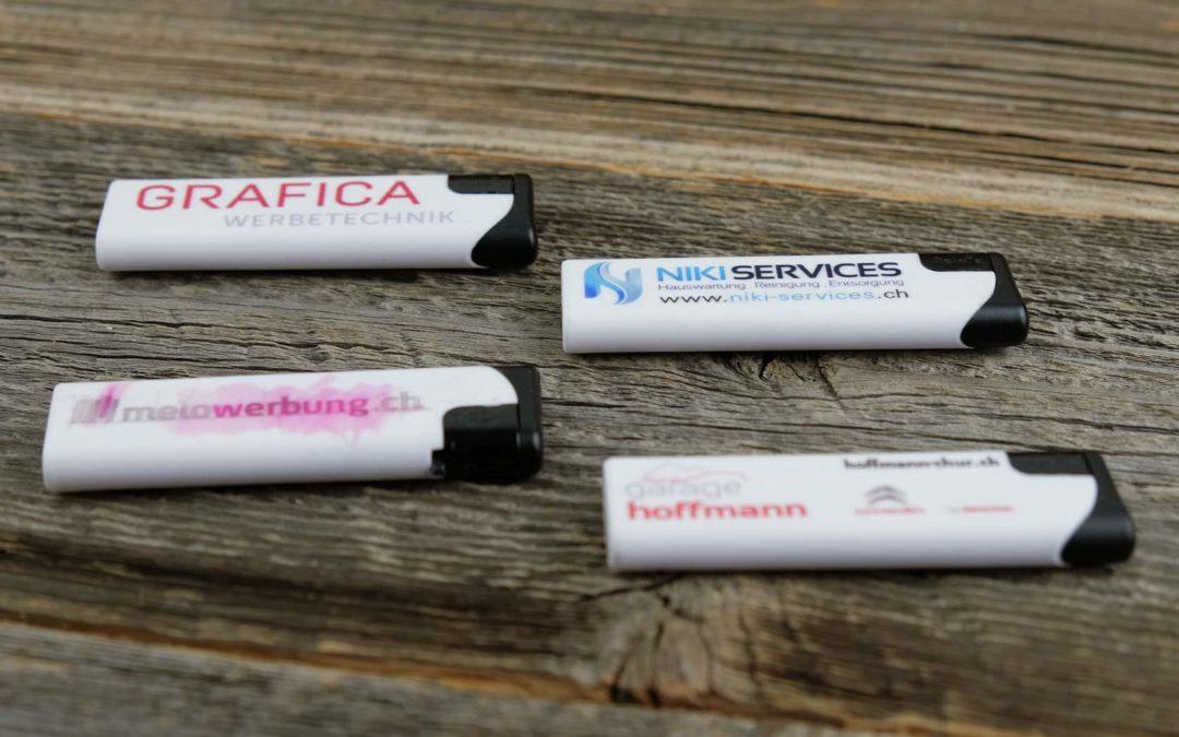 Diverse Feuerzeuge, die in Kleinauflagen gedruckt werden können.