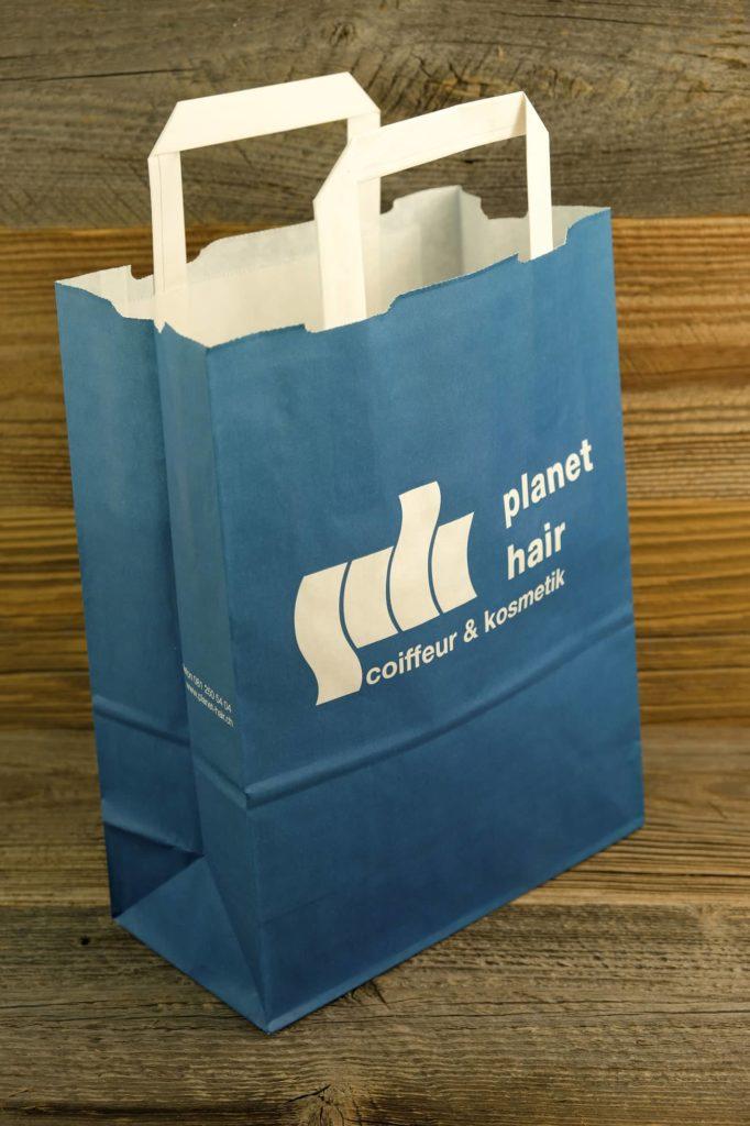 Papiertasche für Planet Hair in Chur