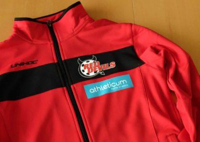 Textildruck für die RedDevils und athleticum auf einem Trainingsanzug
